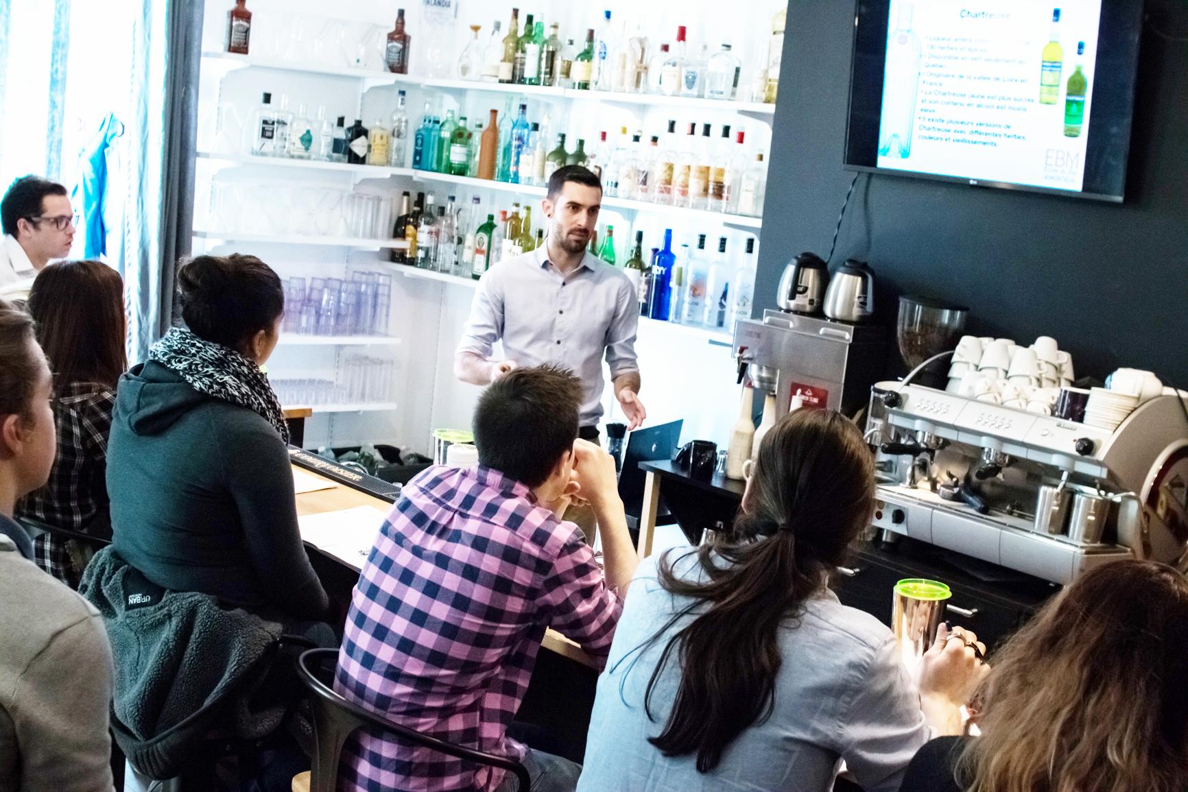ateliers de bartending à l'école du bar de Montréal